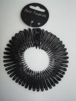 TWO BLACK FLEXI COMBS hd539